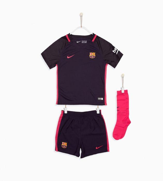 50fa196d01e2a Comprar Equipaciones de futbol para niño online